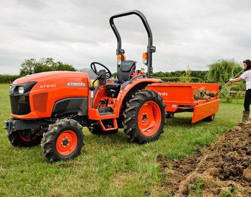 Оперативно земеделие с помощта на малки трактори, предоставени от Агропът2011