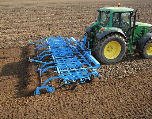 В помощ на земеделието – ефективни култиватори от Агропът2011